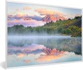 Foto in lijst - Kleurrijke zonsopgang bij het Tetongebergte en de Snake rivier in Wyoming fotolijst wit 60x40 cm - Poster in lijst (Wanddecoratie woonkamer / slaapkamer)