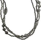 Lange zilver-kleurige kralenketting