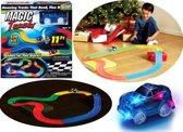Magic Tracks Glow In The Dark Racebaan - Flexibele Amazing Roads Oplichtende Lichtgevende Elektrische LED Licht Race-Auto Track Circuit - Set