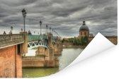 Donkere wolken boven Toulouse in Frankrijk Poster 90x60 cm - Foto print op Poster (wanddecoratie woonkamer / slaapkamer) / Europese steden Poster