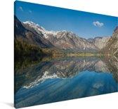 Reflectie van de lucht en bergen in een meer in het Nationaal park Triglav Canvas 180x120 cm - Foto print op Canvas schilderij (Wanddecoratie woonkamer / slaapkamer) XXL / Groot formaat!