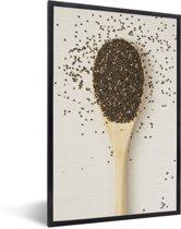 Foto in lijst - Foto van bovenaf van een houten lepel vol met chiazaad fotolijst zwart 40x60 cm - Poster in lijst (Wanddecoratie woonkamer / slaapkamer)