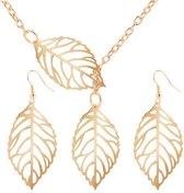 Fashionidea - Mooie set ketting en oorbellen goudkleurig in de vorm van bladeren.