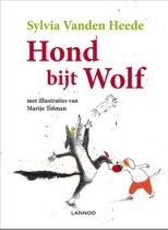Hond bijt wolf