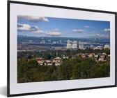 Foto in lijst - Stadslandschap van Irvine in het Amerikaanse Californië fotolijst zwart met witte passe-partout 60x40 cm - Poster in lijst (Wanddecoratie woonkamer / slaapkamer)