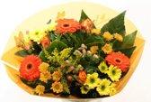 Biedermeier oranje boeketje bloemen