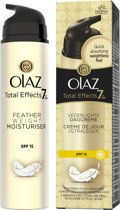 Olaz Total Effects 7 in1 Feather Weight hydraterende anti-verouderingscrème SPF15 - 50 ml - Dagcrème