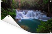 Blauw water bij een waterval in het Nationaal park Erawan Tuinposter 120x80 cm - Tuindoek / Buitencanvas / Schilderijen voor buiten (tuin decoratie)