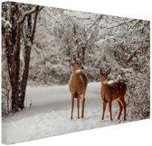 FotoCadeau.nl - Herten in de sneeuw Canvas 80x60 cm - Foto print op Canvas schilderij (Wanddecoratie)
