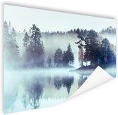 Bos omringd door mist Poster 90x60 cm - Foto print op Poster (wanddecoratie woonkamer / slaapkamer)