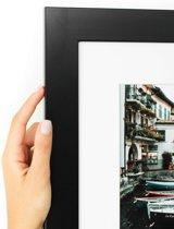 Zwarte brede kader met witte passe partout. (Handgemaakt) Fotoformaat 30x50 | Kaderformaat 40x60