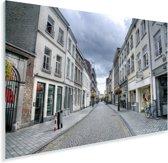 Witte architectuur in de straten van Maastricht in Nederland Plexiglas 90x60 cm - Foto print op Glas (Plexiglas wanddecoratie)