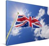 De vlag van het Verenigd Koninkrijk wappert in de lucht Canvas 180x120 cm - Foto print op Canvas schilderij (Wanddecoratie woonkamer / slaapkamer) XXL / Groot formaat!