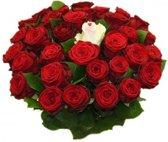 Boeket met 25 rode rozen boeket + 1 witte sugar roos in midden