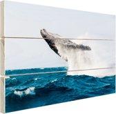 Walvis springt achterover in blauw water Hout 30x20 cm - klein - Foto print op Hout (Wanddecoratie)