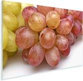 Close-up van rode druiven op een witte achtergrond Plexiglas 120x80 cm - Foto print op Glas (Plexiglas wanddecoratie)