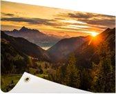 Zonsopgang achter de bergen Tuinposter 120x80 cm - Tuindoek / Buitencanvas / Schilderijen voor buiten (tuin decoratie)