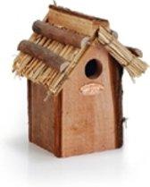 Houten koolmees nestkast met rieten dak.