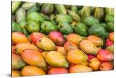 Rijpe mango's op een markt Aluminium 180x120 cm - Foto print op Aluminium (metaal wanddecoratie) XXL / Groot formaat!