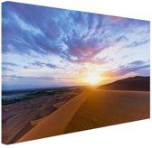 Woestijn tijdens zonsopkomst Canvas 120x80 cm - Foto print op Canvas schilderij (Wanddecoratie)