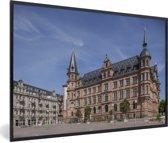 Foto in lijst - Het stadhuis van de Duitse stad Wiesbaden fotolijst zwart 60x40 cm - Poster in lijst (Wanddecoratie woonkamer / slaapkamer)