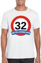 32 jaar and still looking good t-shirt wit - heren - verjaardag shirts S