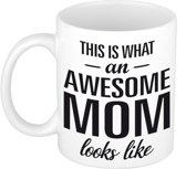This is what an awesome mom looks like tekst cadeau mok / beker - Moederdag - 300 ml