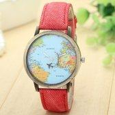 Horloge met wereldkaart en vliegtuig rood