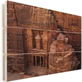 Oude tempel uit zandsteen gesneden Petra in Jordanië Vurenhout met planken 90x60 cm - Foto print op Hout (Wanddecoratie)