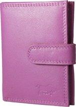 Pasjeshouder met RFID bescherming (anti skim) van Arrigo gemaakt van soepel roze rundleer. Deze mini portemonnee heeft ruimte voor 26 pasjes, briefgeld en een handig kleingeld vakje met rits