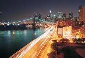 Fotobehang New York City Skyline Night   L - 152.5cm x 104cm   130g/m2 Vlies