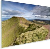Groene bergen in het Nationaal park Brecon Beacons in Engeland Plexiglas 90x60 cm - Foto print op Glas (Plexiglas wanddecoratie)