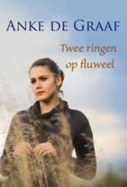 Twee Ringen Op Fluweel