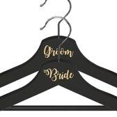Bride & Groom Kledinghanger Setje - Crème Lettertype - Zwarte Kledinghangers - Bruiloft Accessoire