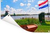 Typische Nederlandse natuur met de vlag van Nederland Tuinposter 90x60 cm - Tuindoek / Buitencanvas / Schilderijen voor buiten (tuin decoratie)