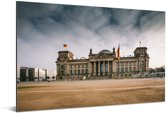 De Duitse Rijksdag onder stormachtige wolken in Berlijn Aluminium 120x80 cm - Foto print op Aluminium (metaal wanddecoratie)