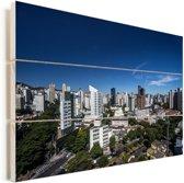 Heldere lucht boven de stad Belo Horizonte in Zuid-Amerika Vurenhout met planken 60x40 cm - Foto print op Hout (Wanddecoratie)