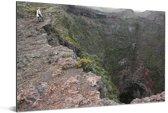 Diepe krater op de flank van de Piton de la Fournaise in Afrika Aluminium 120x80 cm - Foto print op Aluminium (metaal wanddecoratie)
