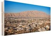 Zonnige dag boven Shiraz in het Aziatische Iran Vurenhout met planken 40x20 cm - Foto print op Hout (Wanddecoratie)