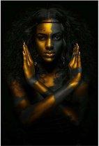 Canvas Schilderij Mystieke Afrikaanse Vrouw in Goud - Kunst aan je Muur - Kleur - 50 x 70 cm