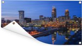 Skyline van Cleveland in de Verenigde Staten tijdens de avond Tuinposter 80x40 cm - klein - Tuindoek / Buitencanvas / Schilderijen voor buiten (tuin decoratie)