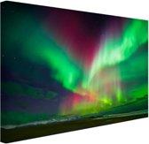 Schitterend noorderlicht boven IJsland Canvas 120x80 cm - Foto print op Canvas schilderij (Wanddecoratie)