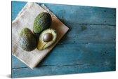 Avocado's op een theekleed Aluminium 180x120 cm - Foto print op Aluminium (metaal wanddecoratie) XXL / Groot formaat!