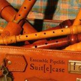 Ensemble Pipelife: Suit(e)case