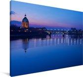 Blauwe tinten in de Franse stad Toulouse Canvas 180x120 cm - Foto print op Canvas schilderij (Wanddecoratie woonkamer / slaapkamer) / Europese steden Canvas Schilderijen XXL / Groot formaat!