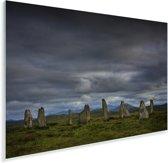 De Schotse Calanais Standing Stones met een donkere hemel Plexiglas 90x60 cm - Foto print op Glas (Plexiglas wanddecoratie)