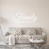 Muursticker Family Is Everything -  Wit -  120 x 50 cm  - Muursticker4Sale