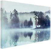 Mistig landschap  Canvas 80x60 cm - Foto print op Canvas schilderij (Wanddecoratie woonkamer / slaapkamer)