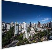 Heldere lucht boven de stad Belo Horizonte in Zuid-Amerika Plexiglas 120x80 cm - Foto print op Glas (Plexiglas wanddecoratie)