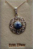 Souvenir Collier 42 cm – Zilver met Delftsblauw steentje